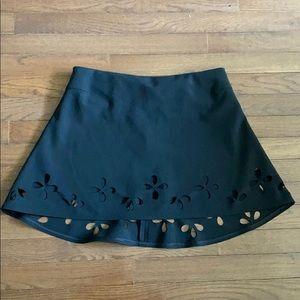 Elizabeth and James Black Skirt Size Medium